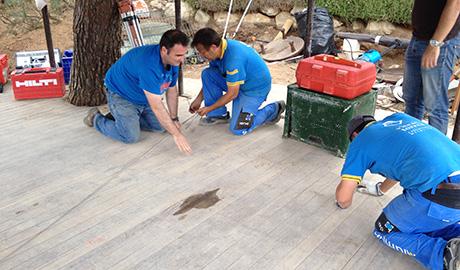 Equipo de Vicent Torres realizando replanteo inicial en obra